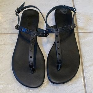 Leather gladiator studs sandals